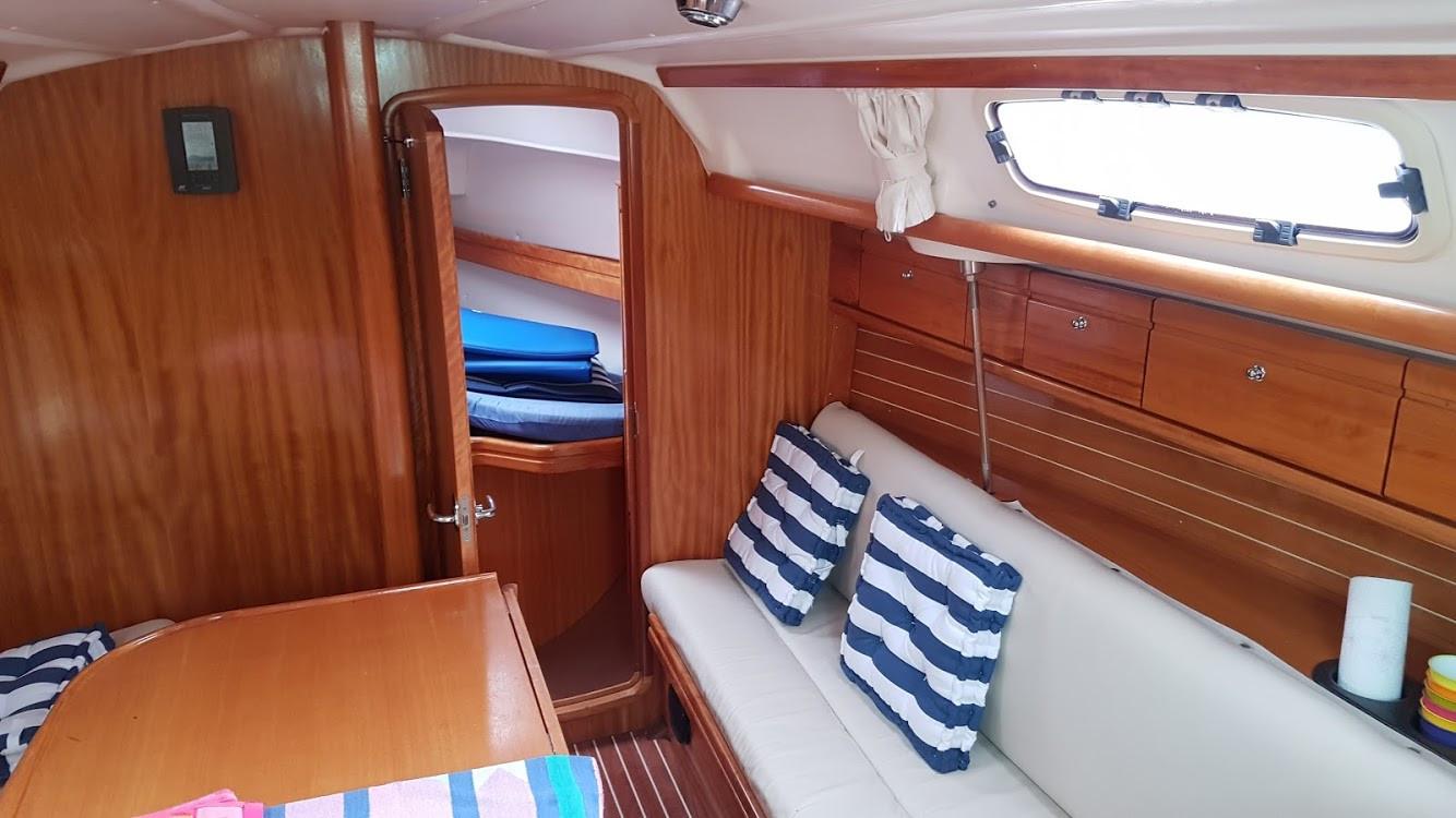 Monohull Bavaria 30 Cruiser